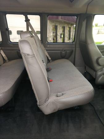 18 Chevy Express middle seat