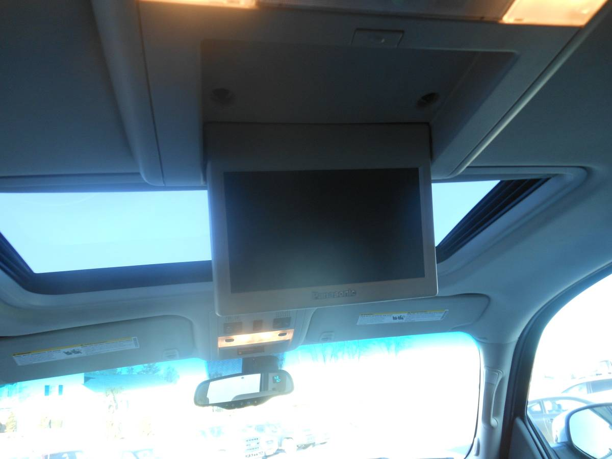 08 Chevrolet Tahoe screen