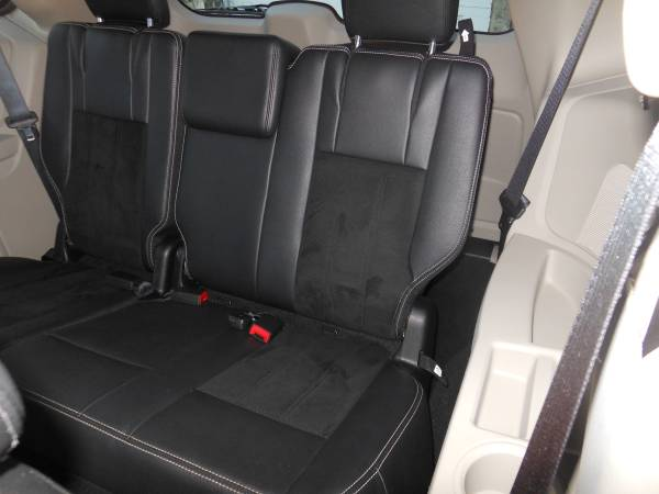 2017 Dodge Caravan interior rear