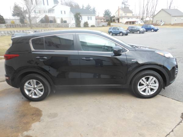 2018 Kia Sportage side
