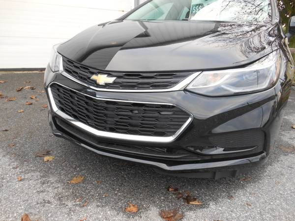 Chevy Cruze 17 front