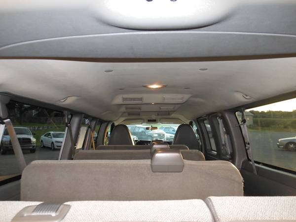 Chevy Express 2011 ceiling