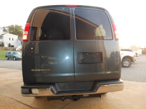 Chevy Express 2014 rear